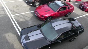 Challenger SRT 392 or Mustang GT 5.0-who's the best ? Classic 1/4 mile drag race