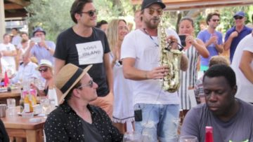 Jimmy sax play for Bono of U2