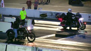 Victory High Ball vs Harley Davidson 1/4 mile race /drag race of motorbikes,sound & top speed